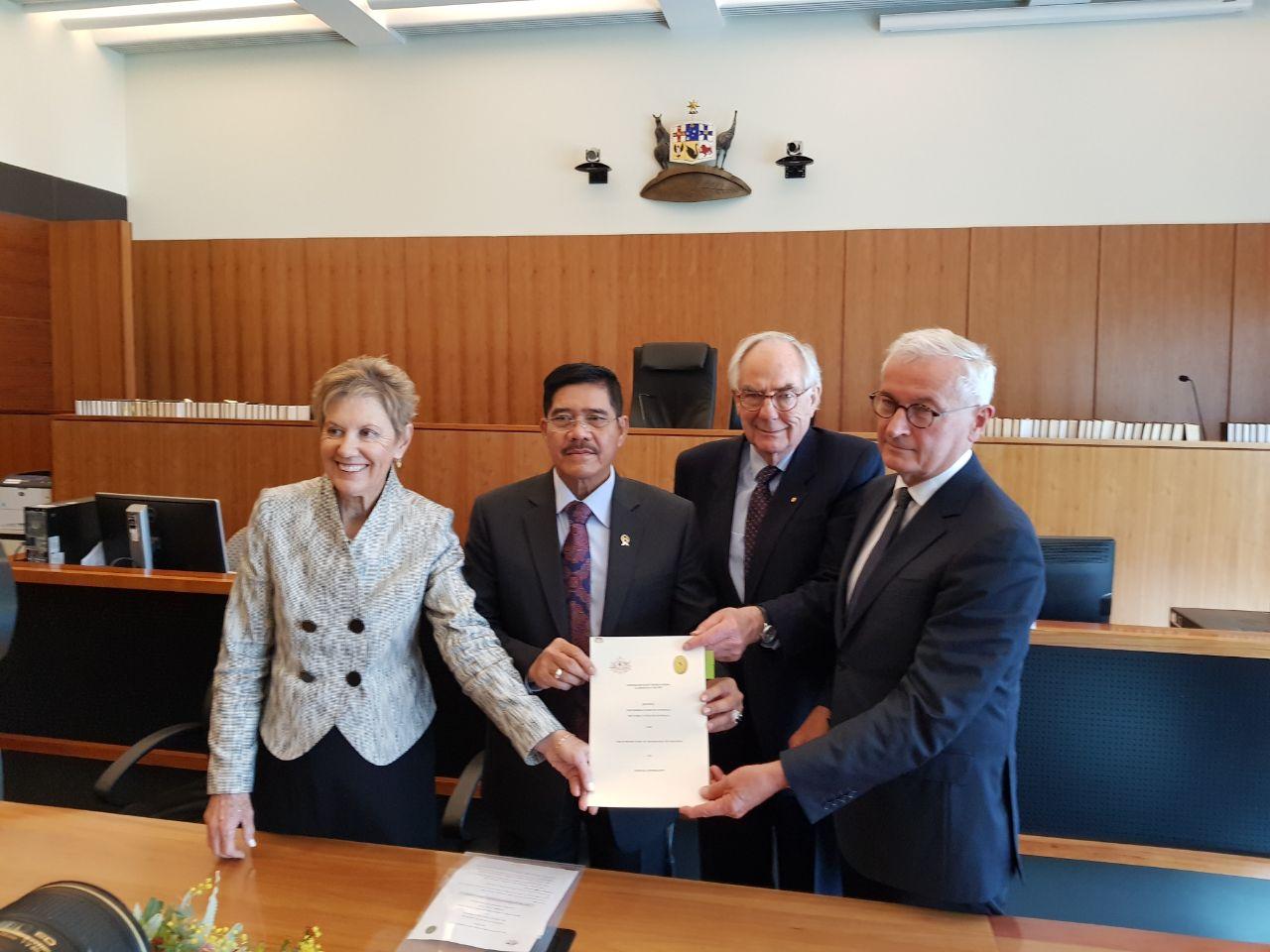 MAHKAMAH AGUNG REPUBLIK INDONESIA DAN FAMILY COURT OF AUSTRALIA, FEDERAL COURT OF AUSTRALIA MEMPERBARUI NOTA KESEPAHAMAN KERJASAMA PERADILAN