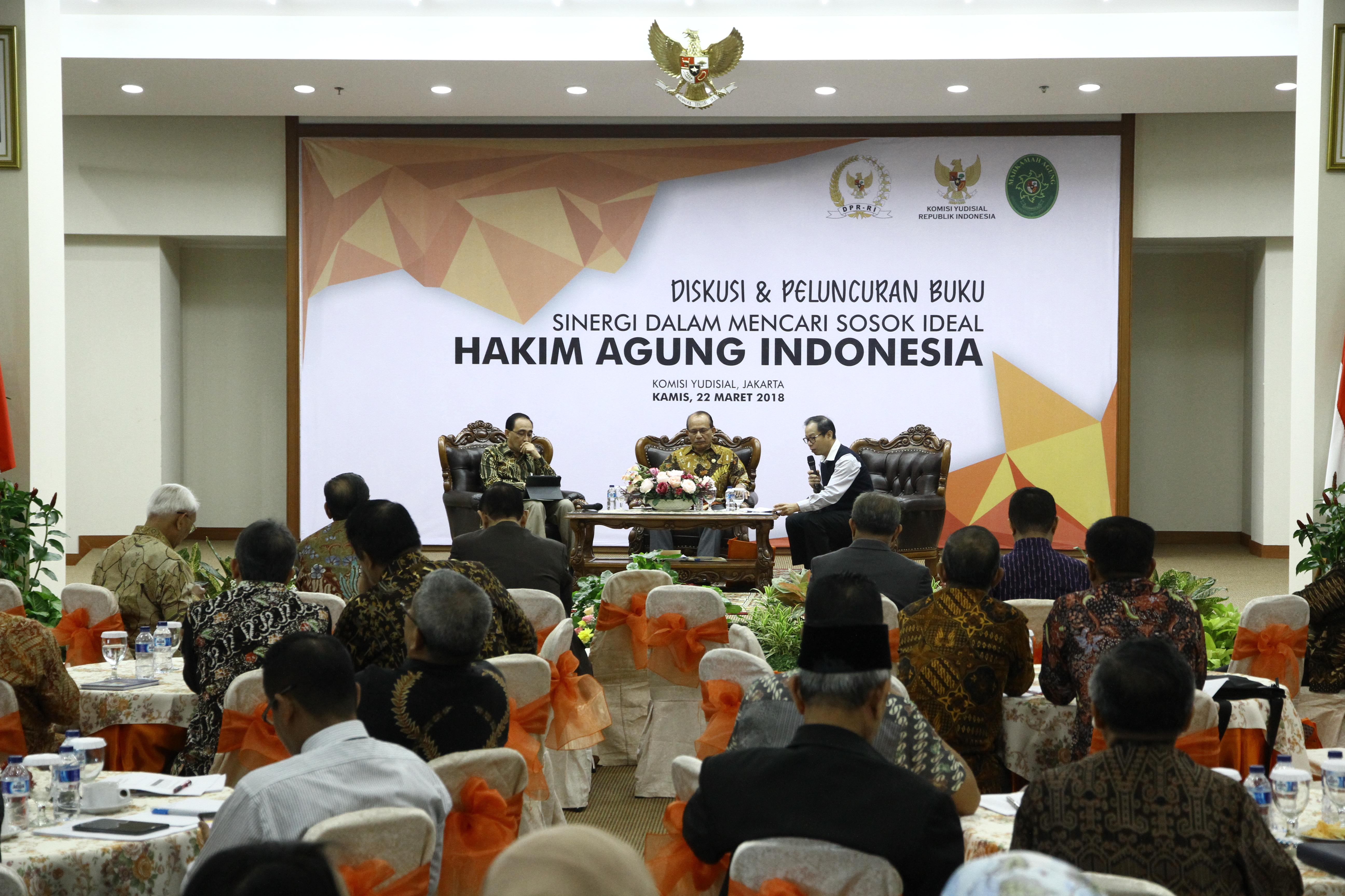 KETUA KAMAR PENGAWASAN MENJADI PEMBICARA PADA PELUNCURAN BUKU SINERGI DALAM MENCARI SOSOK IDEAL HAKIM AGUNG INDONESIA