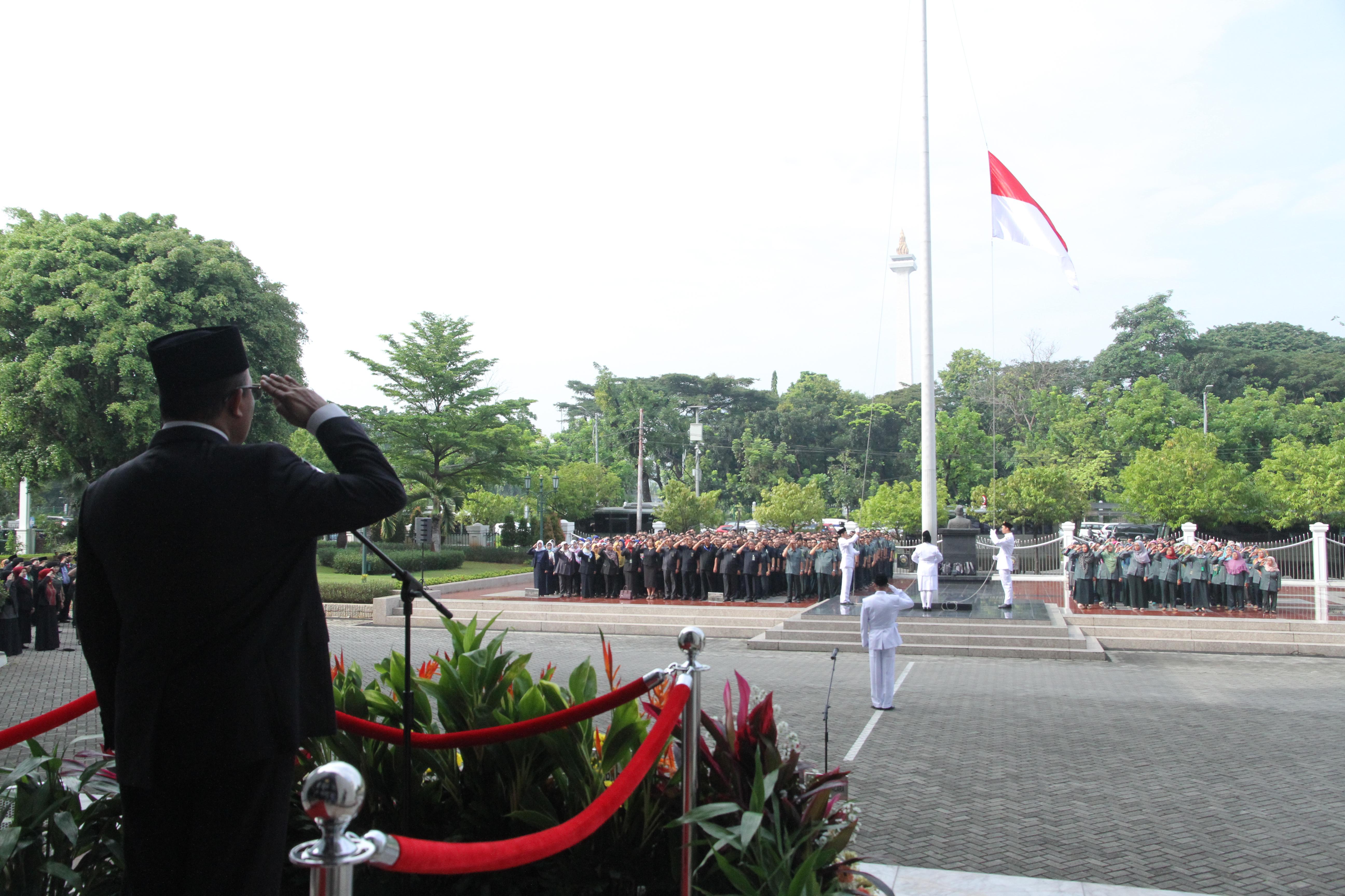 PEMBANGUNAN SUMBER DAYA MANUSIA MEMPERKUAT PONDASI KEBANGKITAN NASIONAL INDONESIA DI ERA DIGITAL