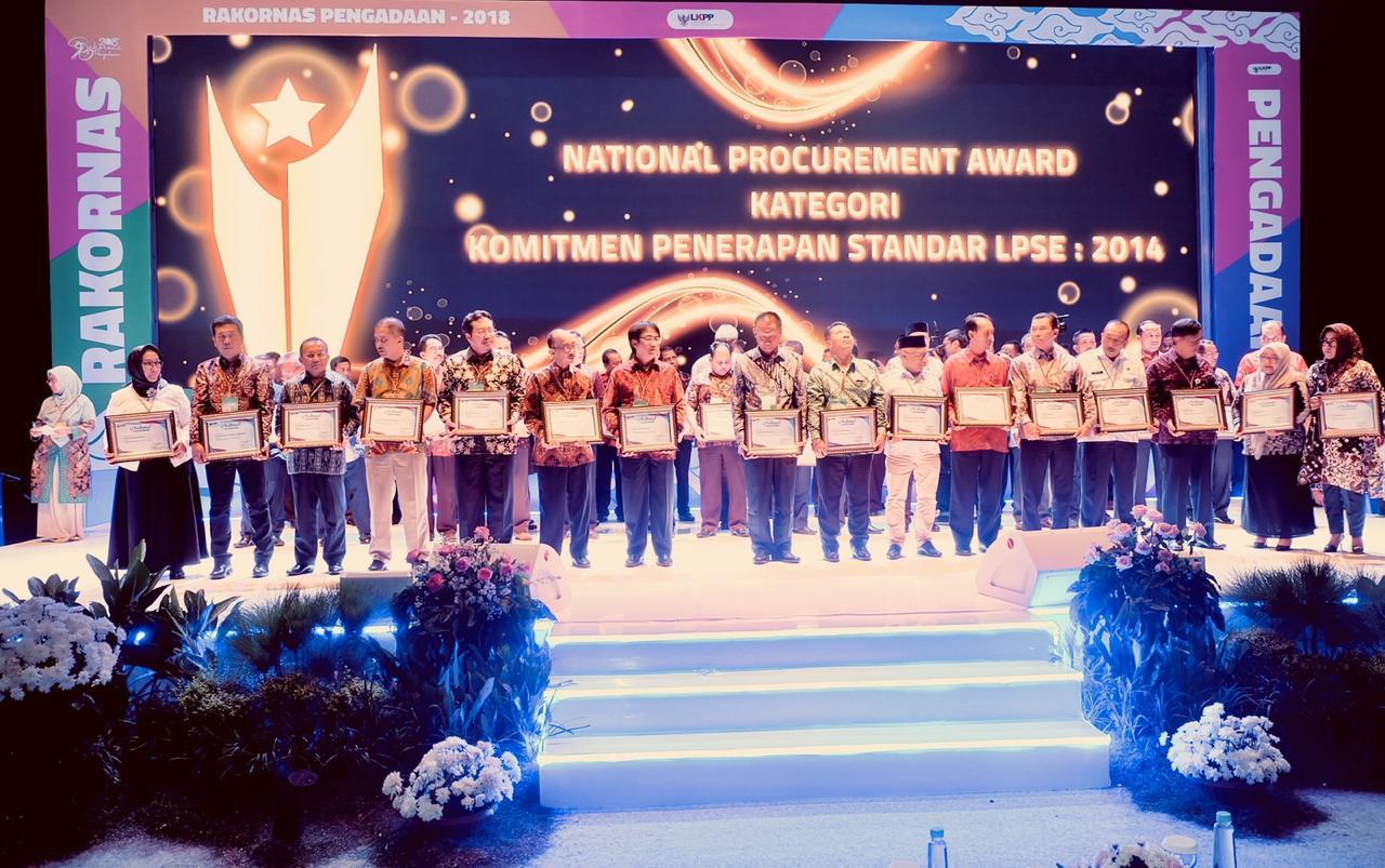 MAHKAMAH AGUNG RAIH PENGHARGAAN NATIONAL PROCUREMENT AWARD 2018 DARI LKPP RI