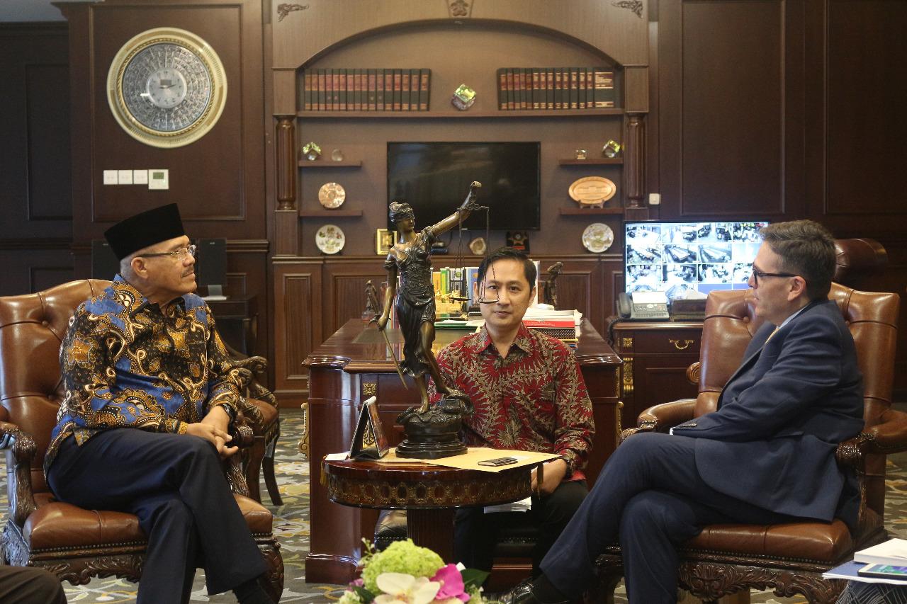 DUTA BESAR JUAN CAMILO VALENCIA MELAKUKAN PERTEMUAN DENGAN KETUA MAHKAMAH AGUNG INDONESIA