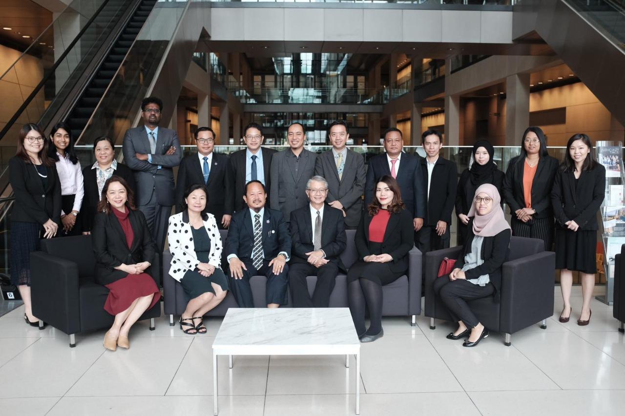 DELEGASI MAHKAMAH AGUNG R.I. MENGHADIRI PERTEMUAN CACJ WORKING / STUDY GROUP DI SINGAPURA