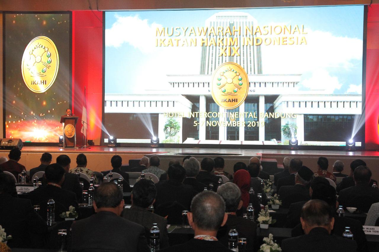 RESMIKAN MUNAS IKAHI KE 19, KETUA MA HARAPKAN IKAHI MENJADI WADAH PENINGKATAN PROFESIONALITAS HAKIM DI SELURUH INDONESIA