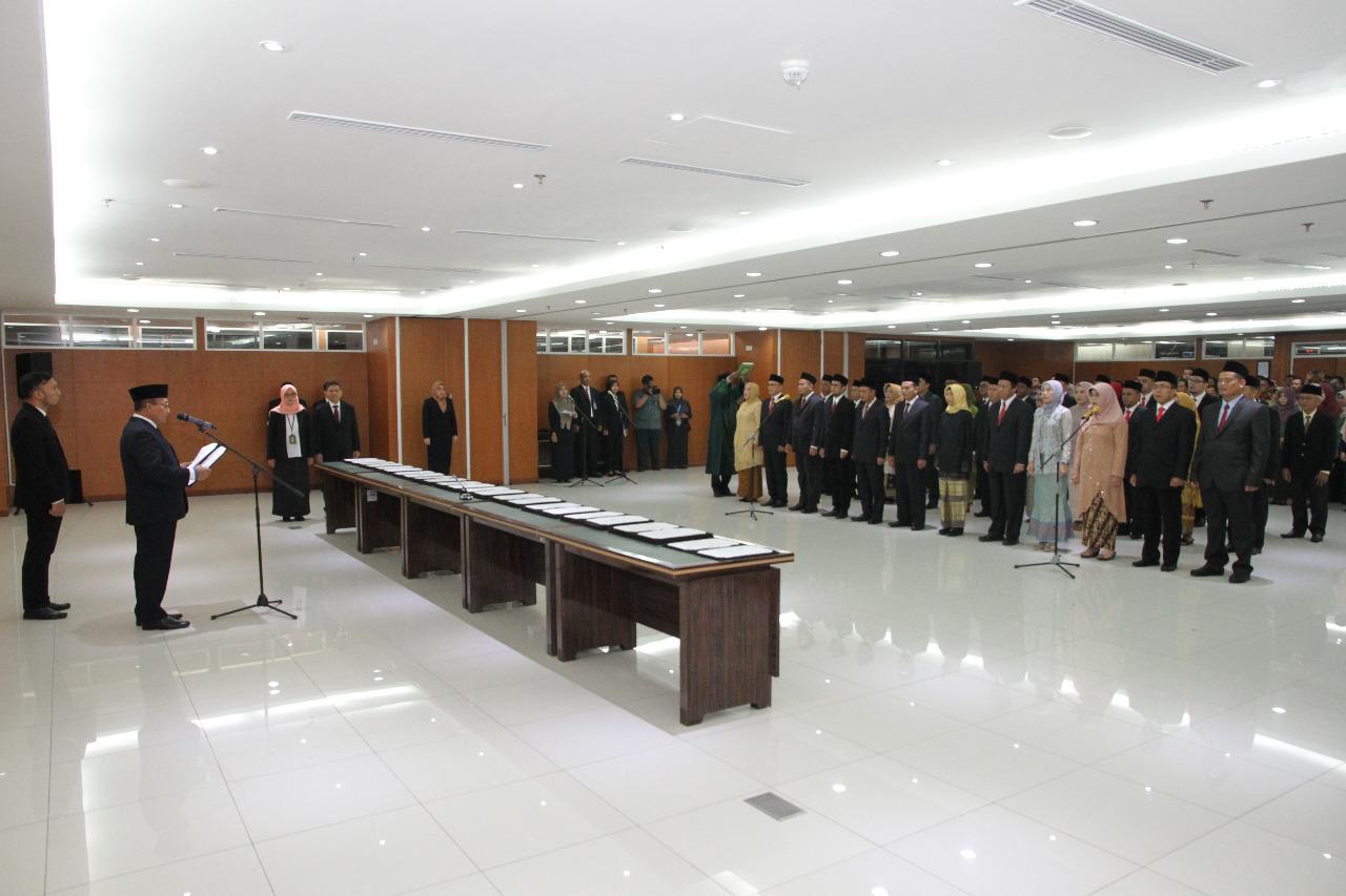 SEKMA MELANTIK 34 PEJABAT BARU DI MAHKAMAH AGUNG