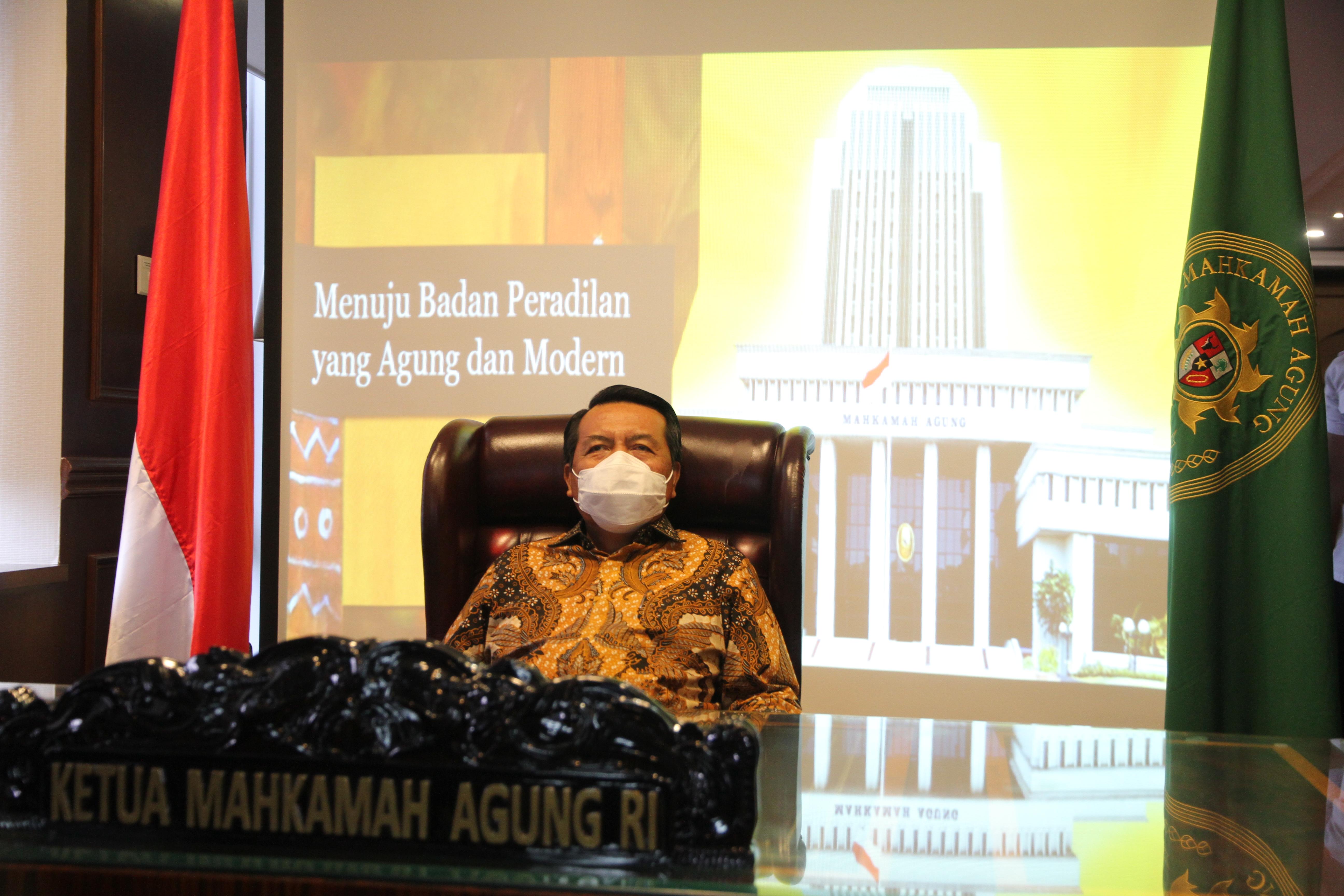 KETUA MAHKAMAH AGUNG MENGHADIRI ACARA LAPORAN TAHUNAN MAHKAMAH KONSTITUSI 2020 SECARA DARING