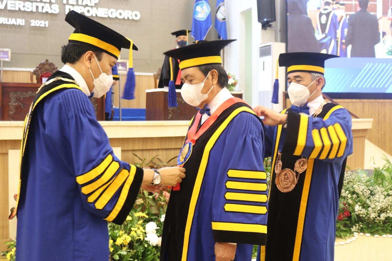 Dr. H. M. SYARIFUDDIN, SH., MH DIKUKUHKAN SEBAGAI GURU BESAR TIDAK TETAP DALAM BIDANG ILMU HUKUM PIDANA UNIVERSITAS DIPONEGORO